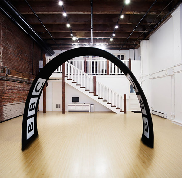 Image of the Formulate Fabric Arch exhibition accessory from Print Designs
